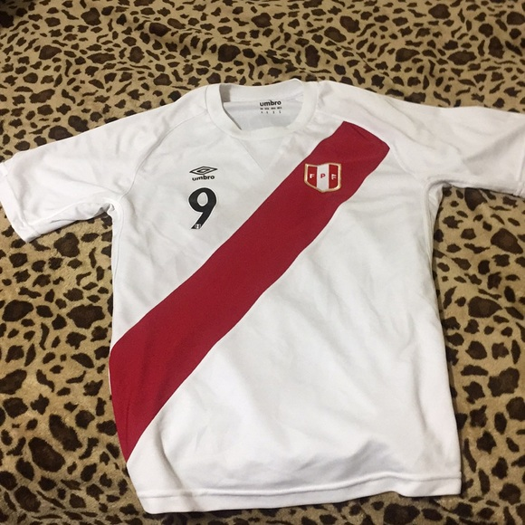 dc7dc6648 Official Peru NationalTeam Jersey(Paolo Guerrero).  M 5a824c7a00450f84864c7150